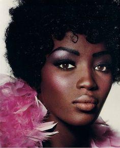 Makeup looks dark skin pink lips Trendy ideas Makeup For Black Skin, Makeup For Brown Eyes, Skin Makeup, Black 60s Makeup, Makeup Brushes, Beauty Makeup, 70s Makeup, Vintage Makeup, Fall Makeup