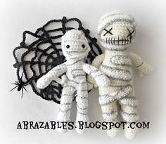Crochet mummy http://abrazables.blogspot.com.ar/2014/09/boo.html