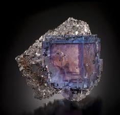 Fluorite  Minerva Mine, Illinois  85mm  Ross Lillie Collection : Fluorites : Mineral Photographer - Professional Gemstone and Specimen Photography