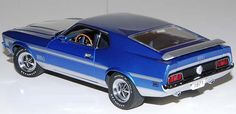 PhillyMint-Danbury Mint 1971 Ford Mustang Mach 1 Blue & Silver 1:24 diecast model