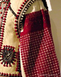 Posts about Ukrainian Folk costumes written by kameleonquilt Folk Fashion, Ethnic Fashion, Womens Fashion, Folk Embroidery, Embroidery Designs, Folk Costume, Costumes, Folk Clothing, Fashion Details