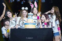 South Korean Girls, Korean Girl Groups, Ara, Fandom, Love U So Much, Loving U, Asian Girl, Kpop, Female