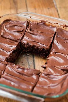 Looking for Fast & Easy Dessert Recipes! Recipechart has over free recipes for you to browse. Find more recipes like Chocolate Lovers Blender Fudge Brownies. Just Desserts, Delicious Desserts, Dessert Recipes, Yummy Food, Cake Recipes, Yummy Treats, Sweet Treats, Brownie Frosting, Cheesecake Brownies