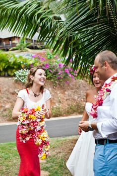 Find out more about a destination wedding in Tahiti Photo Credit : Kate Webber Photography
