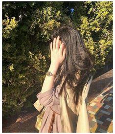 Girl Hand Pic, Cute Girl Photo, Beautiful Girl Photo, Girl Photo Poses, Girl Poses, Beautiful Girl Facebook, Teen Photography Poses, S Videos, Girl Hiding Face