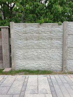 Kerítés magasság: 0,5-2,5m Oszlopok tengelytávolsága: 2,1m Oszlopméret 2m magasságnál: 274x14x14cm, súlya : 110kg /sarki és kezdő is/ Betétméret: 200x5x50cm súlya: 75kg Sidewalk, Gardens, Side Walkway, Walkway, Walkways, Pavement