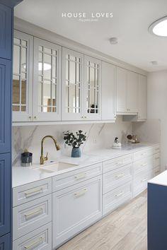 Modern Kitchen Interiors, Luxury Kitchen Design, Kitchen Room Design, Kitchen Layout, Home Decor Kitchen, Interior Design Kitchen, Galley Kitchen Design, Kitchen Designs, Open Kitchen And Living Room