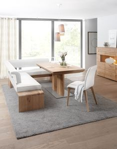 In the special interplay of good taste and exclusive claim, this dining room becomes the favorite place of your family and guests. Available in Asteiche bianco or oiled. The shapely with its high-quality seat and back elements with leat Corner Dining Table, Dining Bench, Muebles Living, Dream House Interior, Küchen Design, Bedroom Colors, Table Furniture, Living Room Designs, Leather Cover
