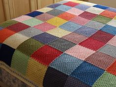 Lots of crochet at Vinnievan and my first crochet Granny Square Blanket- this made me so happy