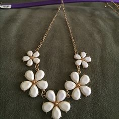 Flower statement necklace Cream and gold simple yet gorgeous statement necklace Jewelry Necklaces