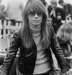 """Vintage Fashion The Enduring Style of Françoise Hardy - Where """"French Girl Cool"""" all began. Style Année 60, French Girl Style, French Girls, Style Icons, Françoise Hardy, Bianca Jagger, 1960s Fashion, Girl Fashion, Vintage Fashion"""