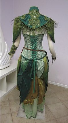 Character Design Inspiration — pogonabarbata: Dryad Archer Costume by Lilly. - Character Design Inspiration — pogonabarbata: Dryad Archer Costume by Lilly… - Cool Costumes, Cosplay Costumes, Costume Halloween, Costume Ideas, Archer Costume, Karneval Diy, Faerie Costume, Fairy Clothes, Fairy Dress