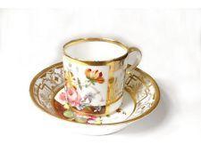 Tasse soucoupe porcelaine Paris fleurs dorure XIXème siècle