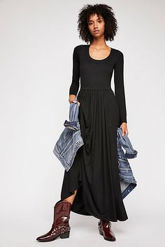 Great for Free People Fairfax Maxi Dress~ Size Large womens dresses from top store Fall Family Photo Outfits, Large Size Dresses, Body Scrub, Boho Outfits, Fashion Week, Free People Dress, Pleated Skirt, Autumn Winter Fashion, Dress To Impress