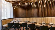 1er - Au menu du restaurant Odette by Maison Rostang : une carte simple et contemporaine, des produits « maison » et du terroir avec un rituel retrouvé, celui des plats à se partager comme à la maison !