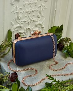 TIE THE KNOT: The epitome of elegance, Ted's hard shell evening clutch bag is the perfect bridesmaid accessory. Ted Baker Fashion, Cute Backpacks, Girls Fashion Clothes, Girls World, Cute Bags, Tie The Knots, Luxury Bags, Bridal Boutique, Beautiful Hands