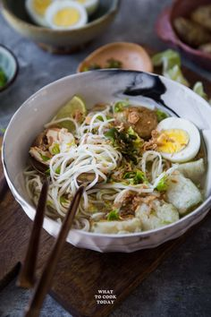 Soto Banjar (South Kalimantan Chicken Noodle Soup)