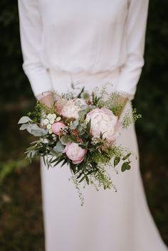 Hydrangea Bridal Bouquet, Blush Bouquet, Flower Bouquet Wedding, Red Wedding, Boho Wedding, Bridesmaid Bouquet White, Flower Words, Table Flower Arrangements, Amazing Flowers