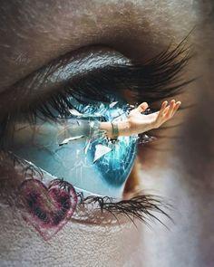 Miadas of love - Tattoos of Hannah Eye Photography, Creative Photography, Eyes Artwork, Crazy Eyes, Eye Art, Surreal Art, Cool Eyes, Dark Art, Insta Art
