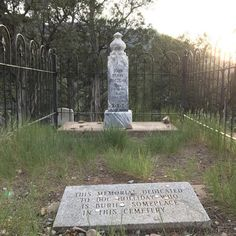 Discover Doc Holliday's Grave in Glenwood Springs, Colorado: Even in death, he's still your huckleberry. Cemetery Headstones, Old Cemeteries, Cemetery Art, Graveyards, Doc Holliday Tombstone, Glenwood Springs Colorado, In Memorian, Famous Tombstones, Wyatt Earp