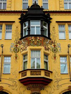 Art Nouveau facades in Prague, Czech Republic (by Frengo2.0).