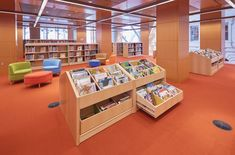 Shelving idea for picture books. School Library Design, Kids Library, Modern Library, Classroom Design, School Libraries, Classroom Furniture, Library Furniture, Library Shelves, Display Shelves