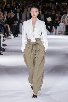 Stella Mccartney Ready To Wear Spring Summer 2017 Paris Fashion Tag, Live Fashion, Runway Fashion, Fashion Week Paris, Stella Mccartney Adidas, Spring Looks, Spring Summer, Resort Casual Wear, She's A Lady