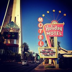 Holiday Motel, Las Vegas Blvd #vegas by bentopliss, via Flickr
