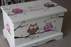 Baby keepsake chest