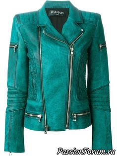Balmain Bikerjacke aus Kalbsleder von Gallery Andorra from the world's best independent boutiques at . Over 1500 brands from 300 boutiques in one website. Teen Fashion, Fashion Outfits, Punk Fashion, Lolita Fashion, Style Fashion, Womens Fashion, Balmain, Super Moda, Blazer Jacket