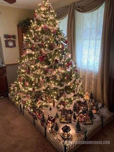 Unique Christmas Trees ( Ideas & Designs ) - Happy Christmas - Noel 2020 ideas-Happy New Year-Christmas Christmas Tree Village, Unique Christmas Trees, Christmas Gift Decorations, Christmas Tree Themes, Simple Christmas, Christmas Home, Christmas Crafts, Christmas Holidays, Unique Trees