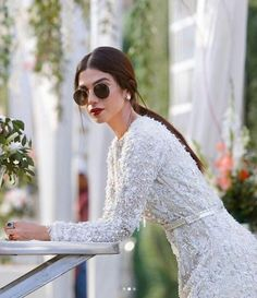 Day weddings and sunshades go hand in hand in the present wedding scene. The Addition Of Sunshades In The Wedding Attire Is The Most Chic Trend To Happen In Years Pakistani Formal Dresses, Pakistani Fashion Party Wear, Pakistani Wedding Outfits, Pakistani Clothing, Indian Clothes, Wedding Attire, Indian Outfits, Indian Fashion, Style Fashion