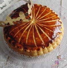 By Éphémeride seasonal calender Frangipane Creme Patissiere, Galette Frangipane, Phyllo Recipes, Cooking Recipes, Cake Recipes, Almond Tart Recipe, Almond Pastry, Christmas Desserts, Desserts