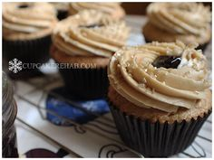 Cupcake Rehab - peanut butter & jelly cupcakes: peanut butter cupcakes filled with grape jelly, topped with peanut butter buttercream & just a lil more jelly #PBandJ #peanutbutterandjelly #cupcakes