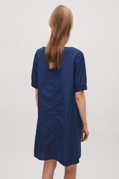 Dress with elastic sleeves in Blue