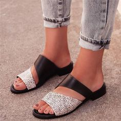45883964e7b9 Women Leather Slippers Casual Fashion Flat Strap Plus Size Shoes