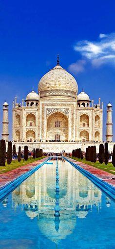 El Taj Mahal, arquitectónico joya de la corona de la India es una de las siete maravillas del mundo.