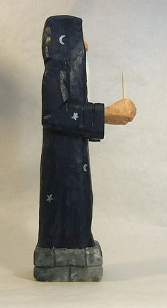 Hand Carved Wizard with Magic Wand and por ClaudesWoodcarving