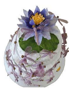 Water Lilly and Dragonfly wedding cake