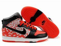 new photos 7ca68 aca8f Nike Dunk High, Red Feather, White Feathers, Nike Dunks, Nike Sb, High  Tops, Nike Women, Air Jordans, Cher