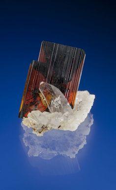 Brookite - Thurdook Mine, Zard, Raskoh Mountains, Kharan District, Balochistan, Pakistan Size: 2.4 × 2.7 × 2.7 cm
