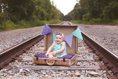 Vintage prop ideas for photo session. Vintage Family Photography, Children Photography Poses, Old Photography, Toddler Photography, Birthday Photography, Half Birthday, First Birthday Photos, Baby Pictures, Baby Photos