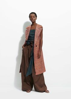 See the complete Tome Resort 2017 collection.See the complete Tome Resort 2017 collection. DESIGNERS: Ramón Martín y Ryan Lobo