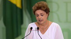 Aliados da presidente Dilma Rousseff acreditam que não será possível barrar impeachment na comissão na Câmara. | Andressa Anholete/AFP