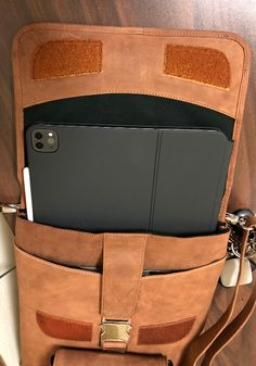 """A Dr. from the Pacific Northwest needed a way to carry his 2020 iPad Pro + Magic Keyboard. He found the perfect bag in our 15"""" MacCase Premium Leather Flight Jacket. You can even slide the tablet into the bag without knocking off the Pencil when it's charging. Macbook Pro Laptop Case, Macbook Air Pro, Large Shoulder Bags, Shoulder Pads, New Apple Laptop, 2006 Jeep Wrangler, Class Design, Ipad Pro 12, New Laptops"""