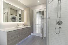 Vanités : Tout | Armoires Design Plus Interior Design Living Room, Living Room Decor, Interior Decorating, Bedroom Decor, Armoire Design, Washroom, Luxury Homes, Kitchen Decor, New Homes