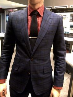 I love the pattern of this suit.