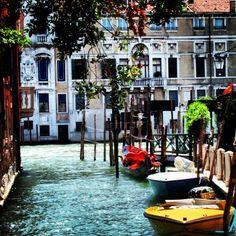 Venetië - Stad van de bruggen, kunst en cultuur. En van het eeuwige gevecht tegen het water. Foto: juli 2010, by BarbaraCW