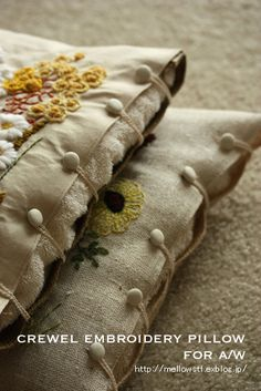 - 秋・冬用のお花のクッション - 【 crewel embroidery pillow 】 : + mellow-stuff +