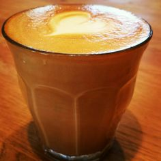 Flat white practice in glass